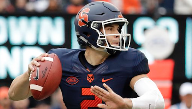 Eric Dungey passed for 363 yards and two touchdowns in Syracuse's 50-33 loss to Notre Dame on Saturday. (AP Photo)