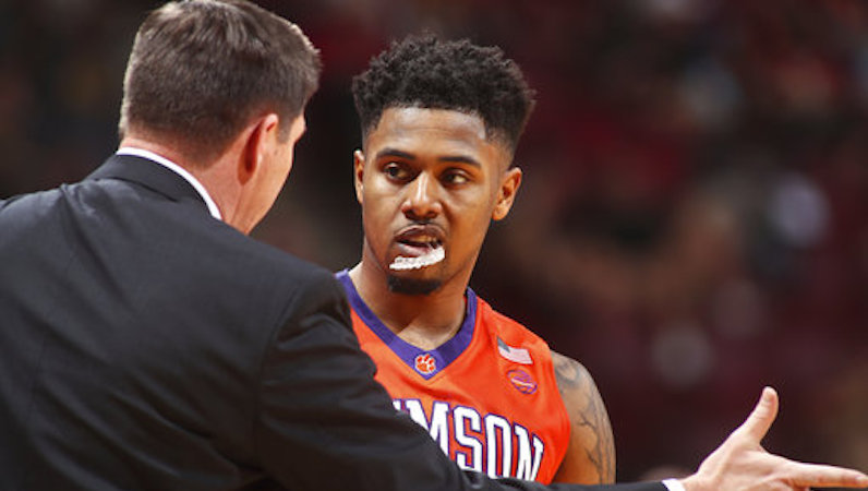 Brad Brownell talks to Shelton Mitchell