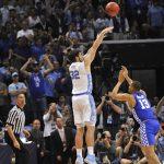 Luke Maye shoots the game-winner