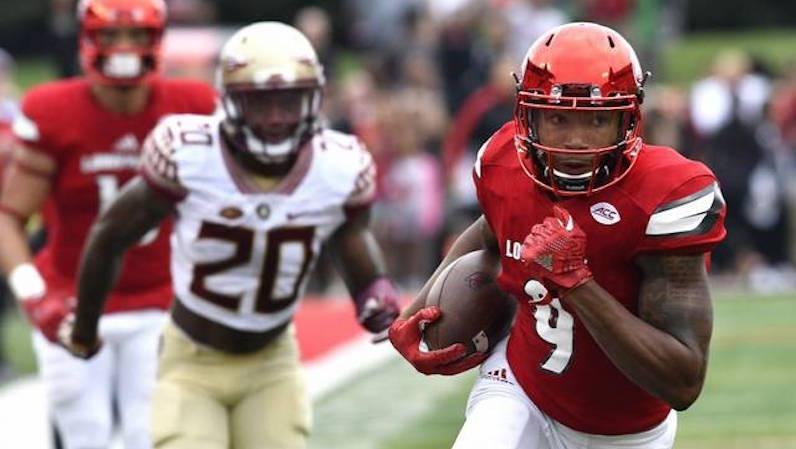 Jaylen Smith catches and runs
