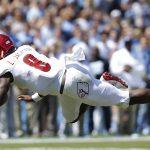 Lamar Jackson leaps