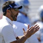 Larry Fedora yells