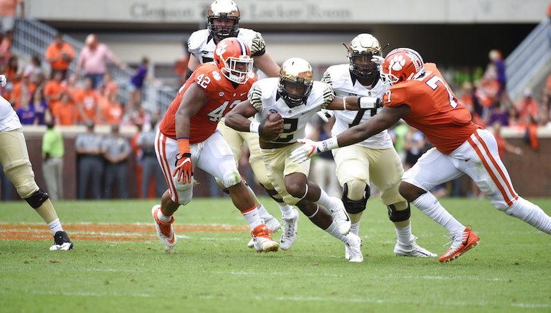 Austin Bryant tackles