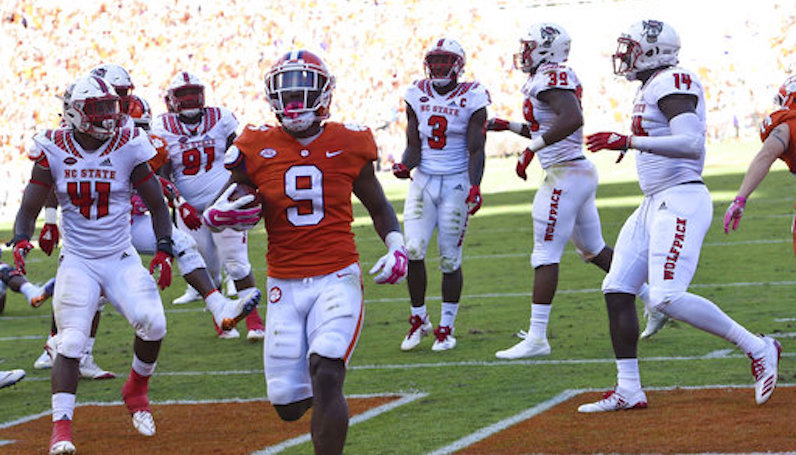 Clemson Moves Up To No 2 In Latest Ap Top 25 Poll Nc State Drops