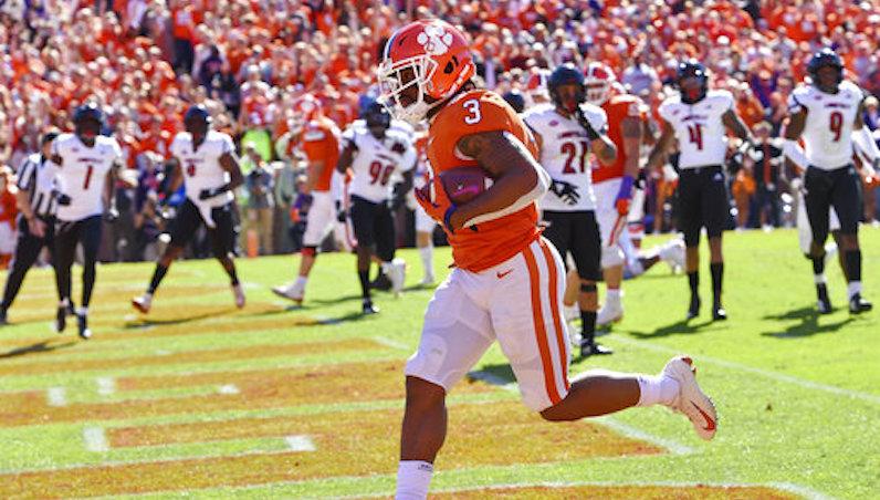 Clemson scores touchdown