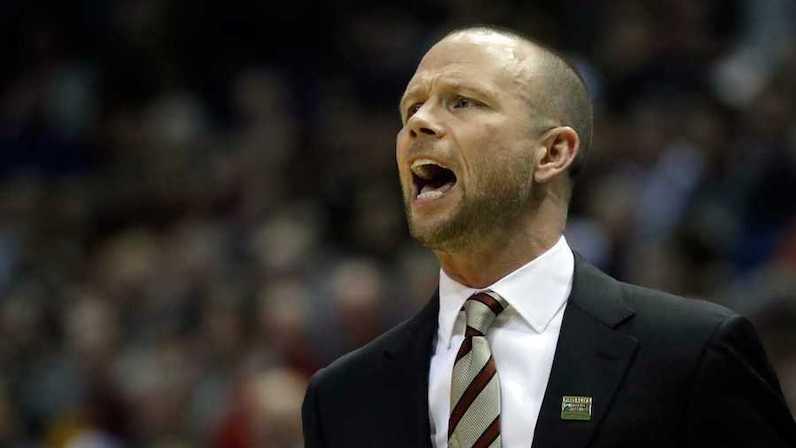 Pat Kelsey coaches