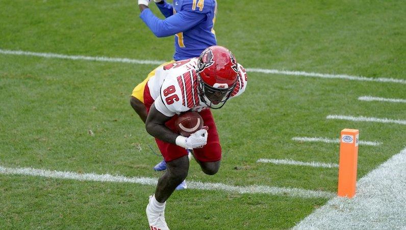 Emeka Emezie catch