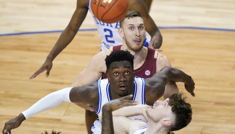 Mark Williams rebounds