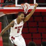 Shakeel Moore dunks