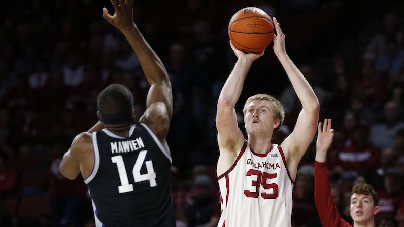 How Brady Manek Adds Necessary Spacing To UNC's Offense
